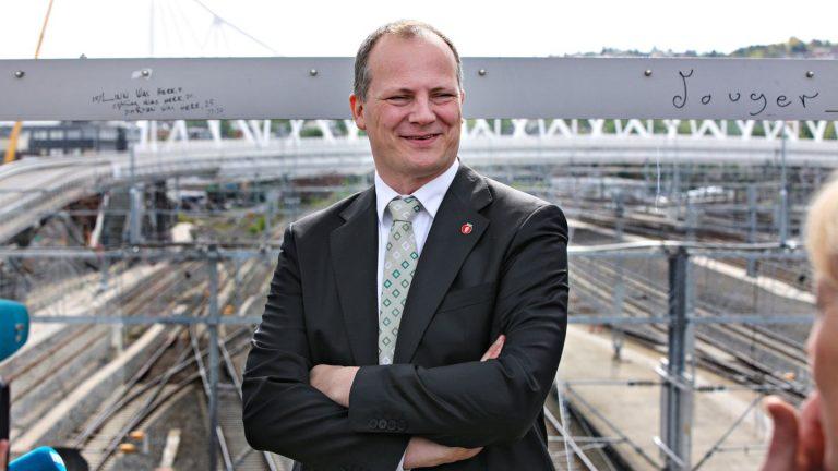 Solvik-Olsen positiv til jernbane fra Finland til Finnmark